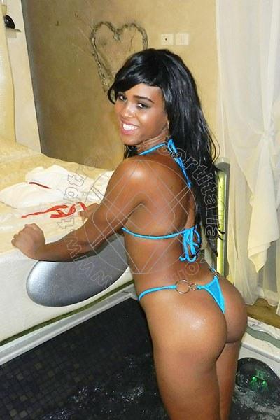 Priscilla Presley L'AQUILA 3281138090